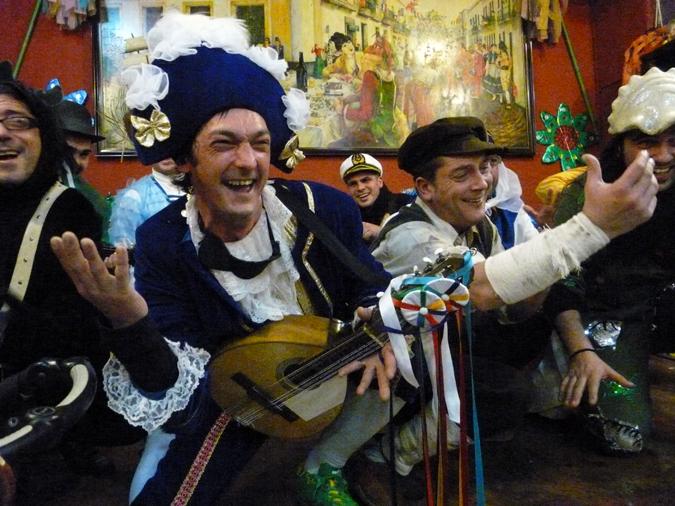 The chirigota (Carnaval group) Sosasión de Directores performing in Cádiz. Photos by Barry Yeoman.